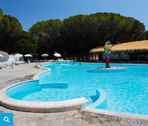 Villaggio vacanze con piscina marina di bibbona villaggio - Piscina con palline per adulti ...