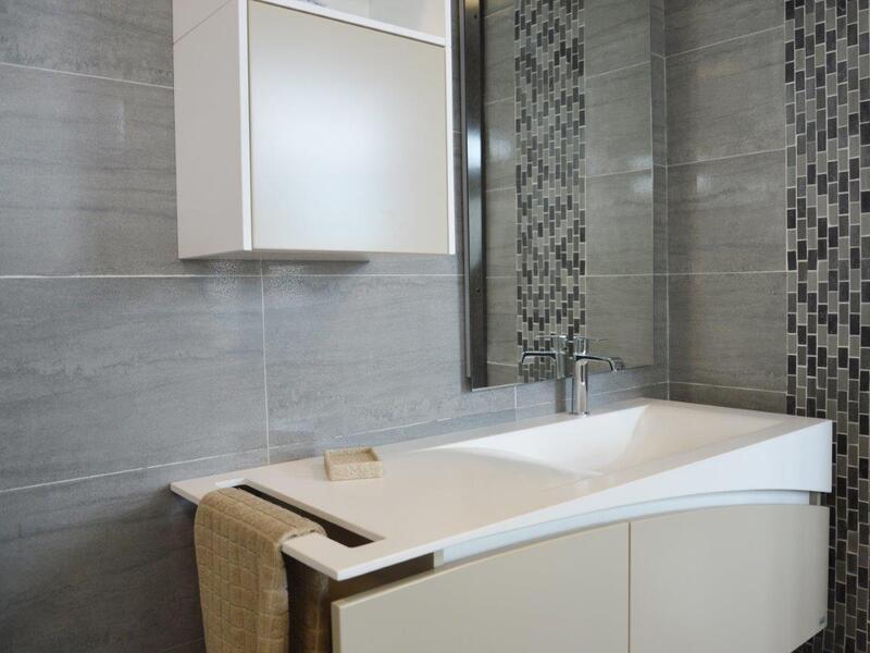 Arredo bagno Ancona: Comedile Giacometti, vendita piastrelle e ...
