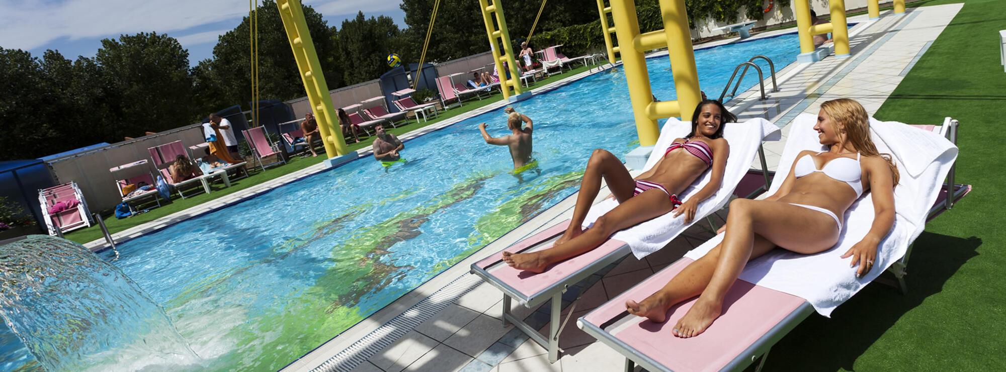 Hotel 4 stelle rimini con piscina riscaldata albergo con - Hotel rivazzurra con piscina ...