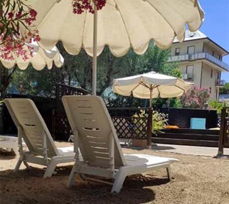Hotel 3 stelle con piscina a cesenatico tuffati nell 39 albergo con idromassaggio di cesenatico - Hotel cesenatico con piscina ...