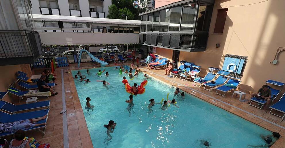 Hotel rimini con piscina riscaldata mare all inclusive - Bambini in piscina a 3 anni ...