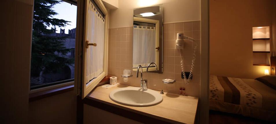 Hotel con aria condizionata san marino camere con tv satellitare e wi fi nel centro di san - Titan bagno san marino ...