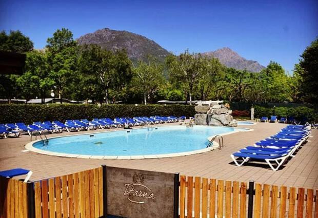 campingdarna en swimming-pool 015