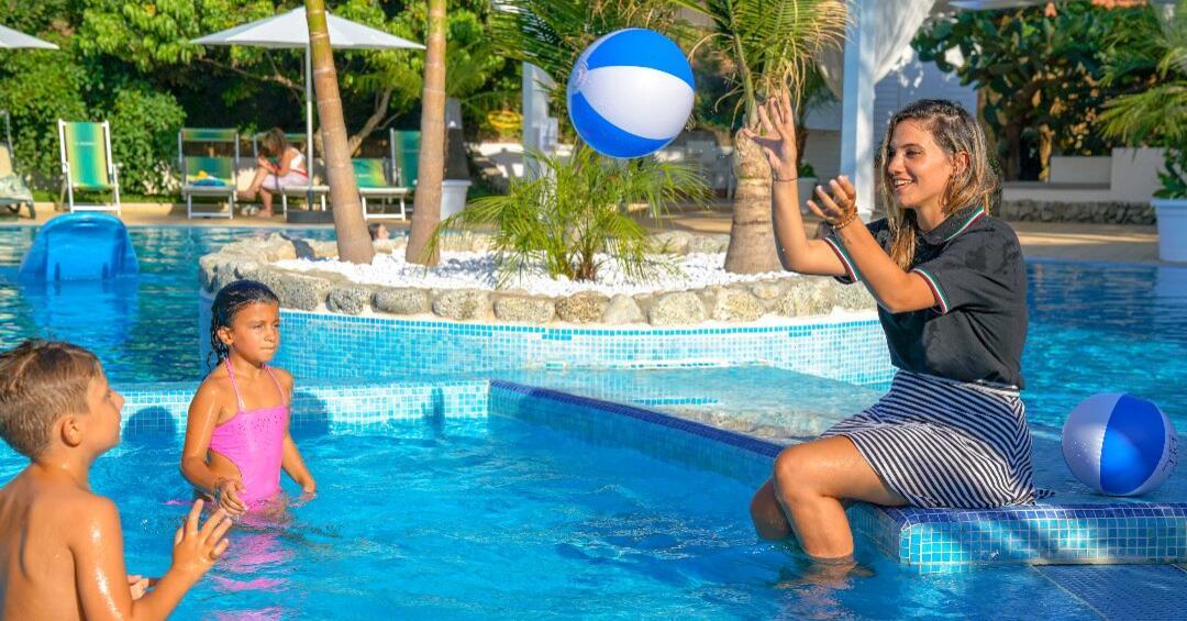 Hotel Swimming pool children Tropea