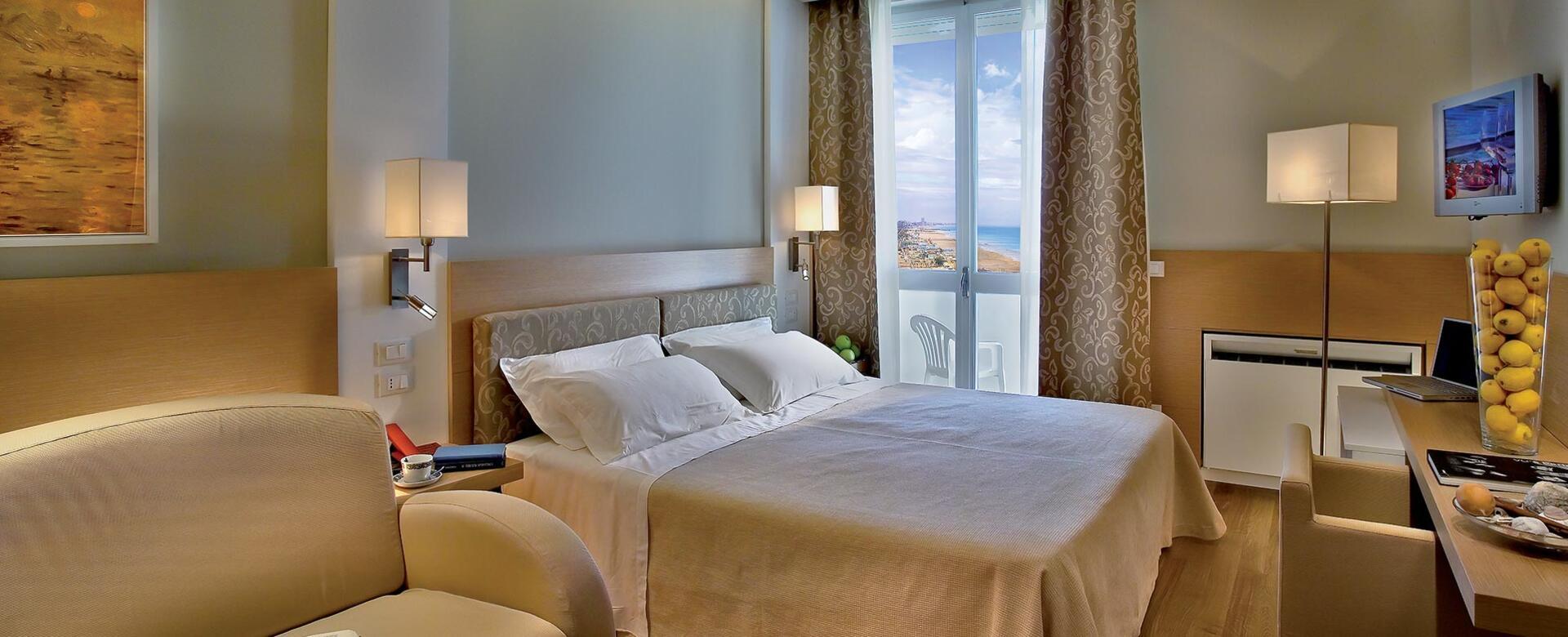 alexandraplaza en rooms-hotel-riccione 005