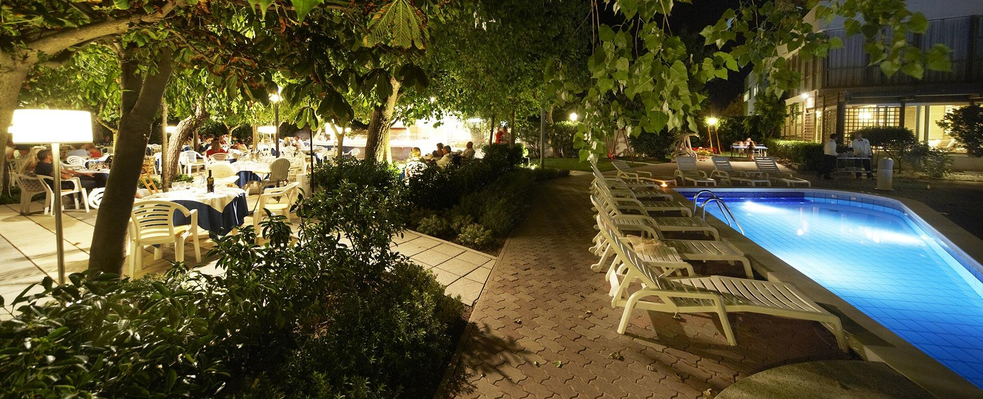 alexandraplaza en hotel-directly-by-the-sea -riccione 003
