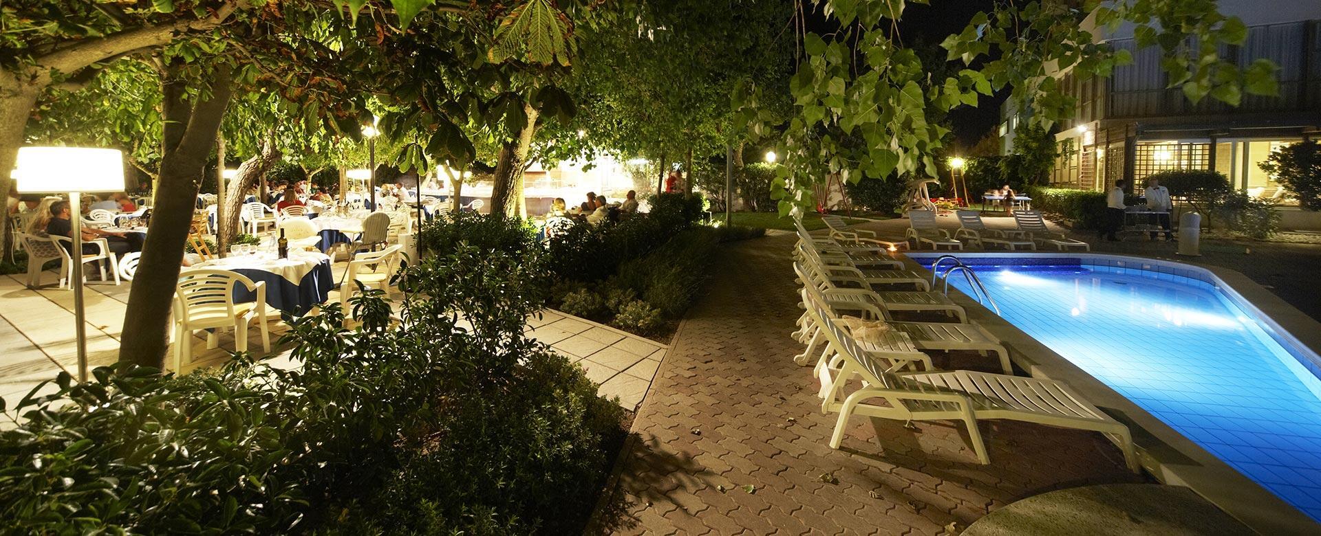 alexandraplaza it hotel-direttamente-sul-mare-riccione 003