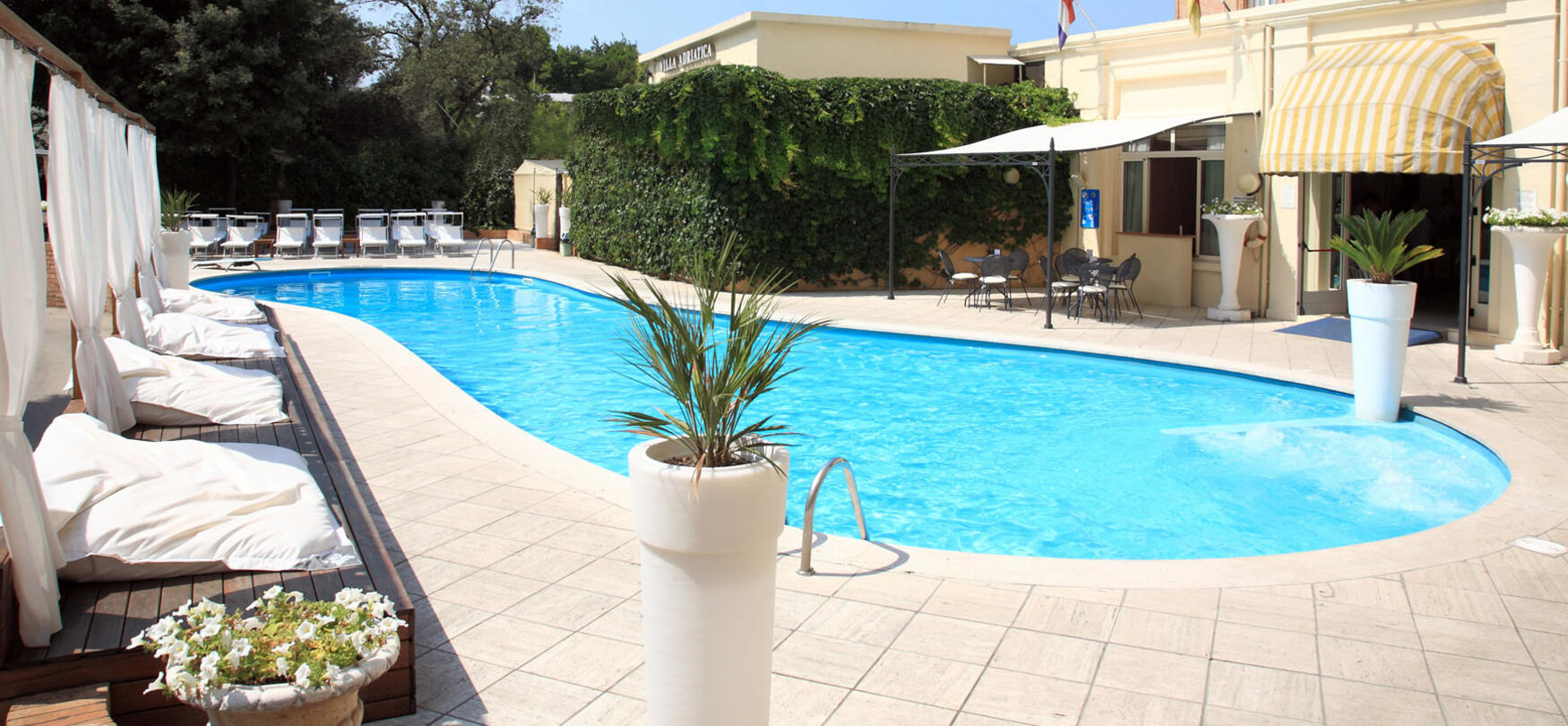 ambienthotels en swimming-pool-villa-adriatica 007