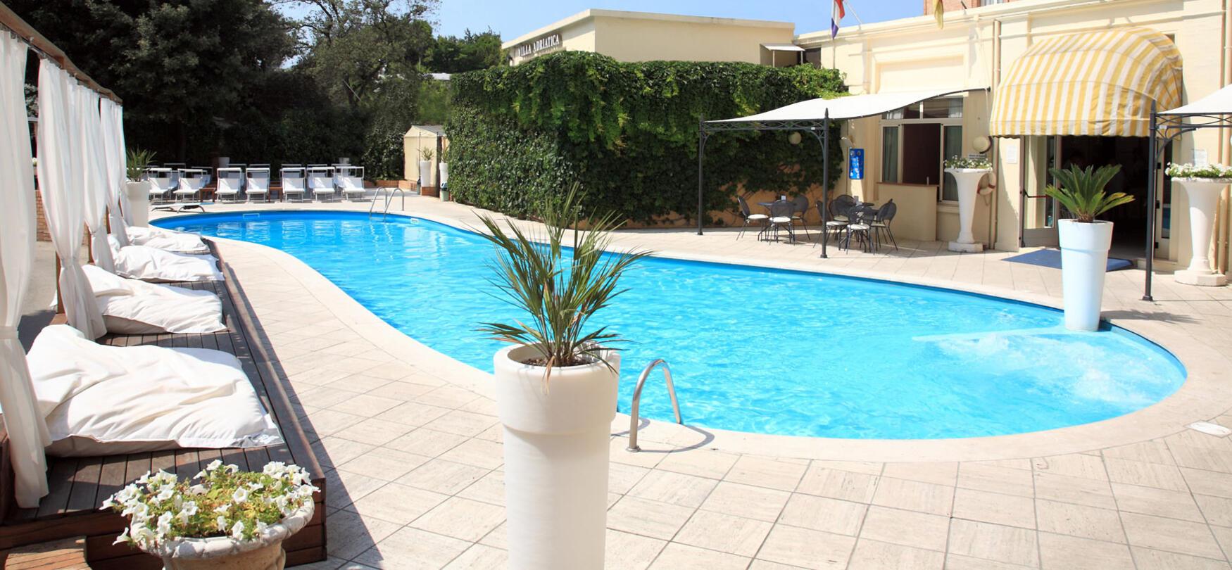 ambienthotels fr piscine-villa-adriatica 007