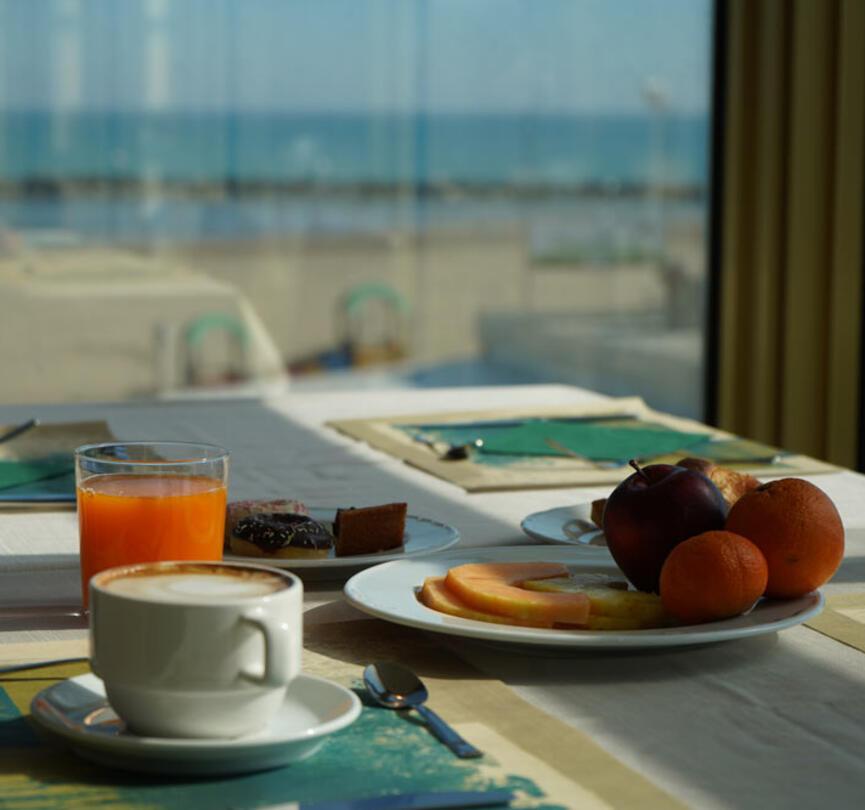 ambienthotels fr hotel-panoramic-a-la-mer-viserba 004