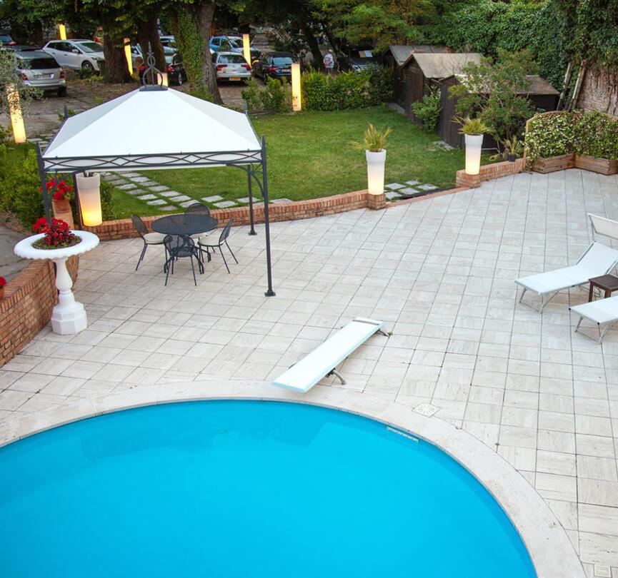 ambienthotels en swimming-pool-villa-adriatica 004