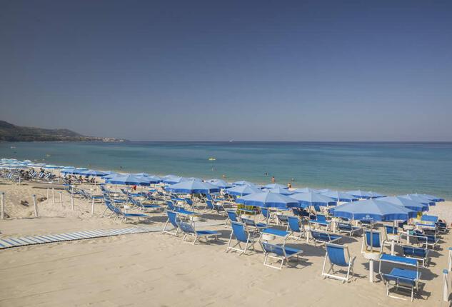 blutropical en beach-costa-degli-dei 008
