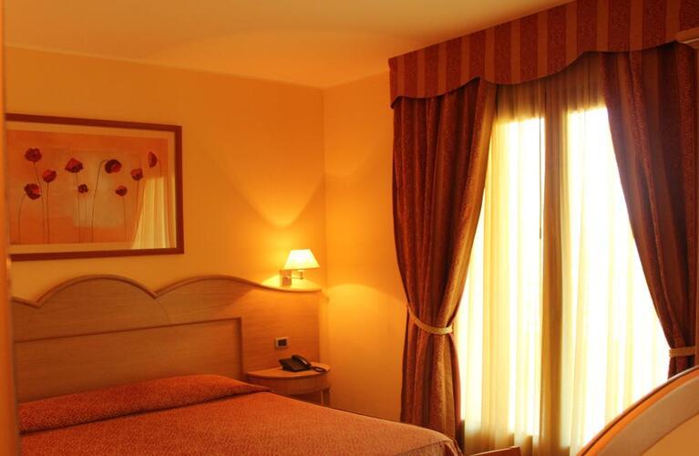 blutropical en rooms 010