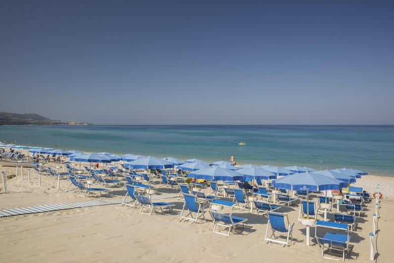 blutropical en beach-costa-degli-dei 011