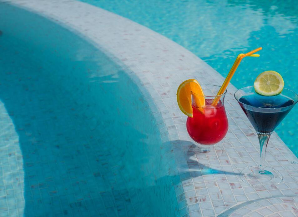 blutropical en pool 006