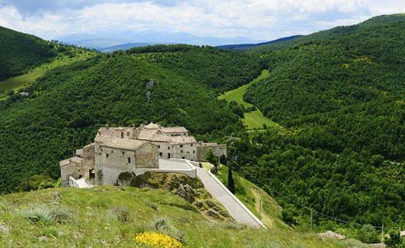 borgolanciano fr macerata-marches-territoire 008