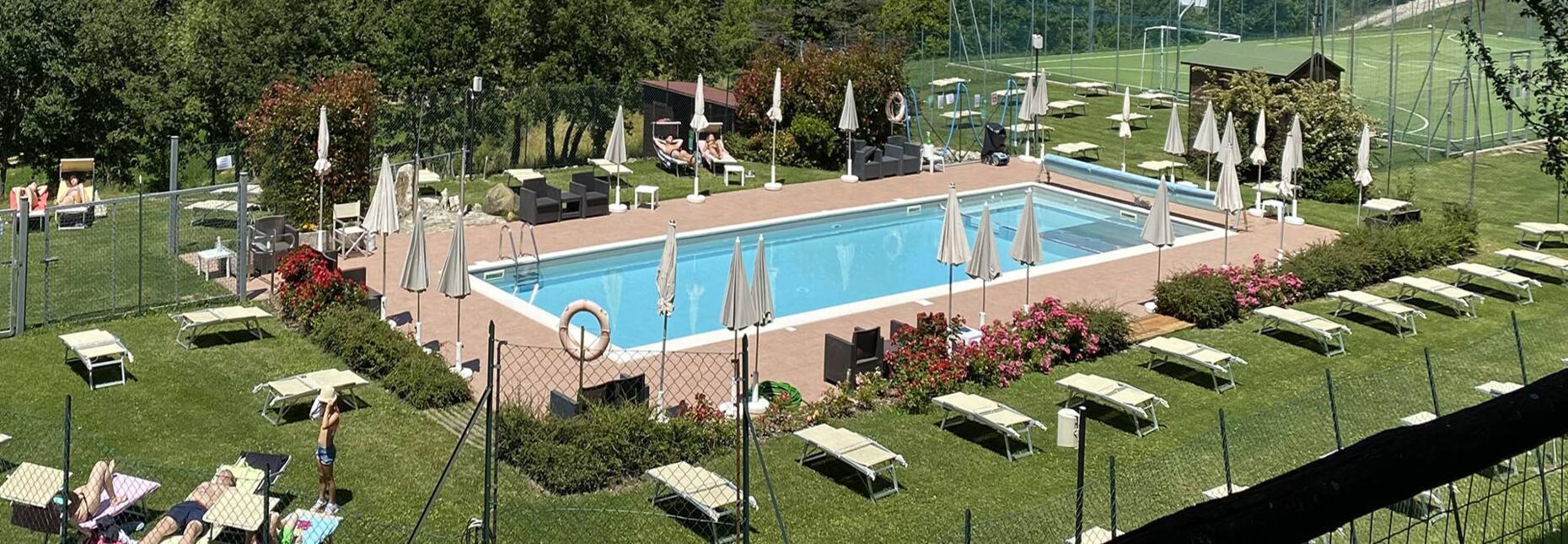cadigianni en pool 006