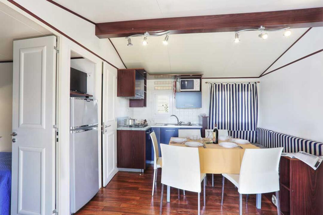 campinglecapanne pl domy-wakacyjne-maxicaravan-giglio 023