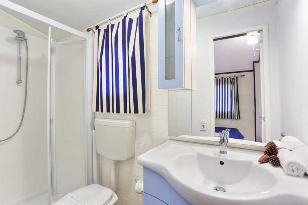 campinglecapanne pl domy-wakacyjne-maxicaravan-elba 026