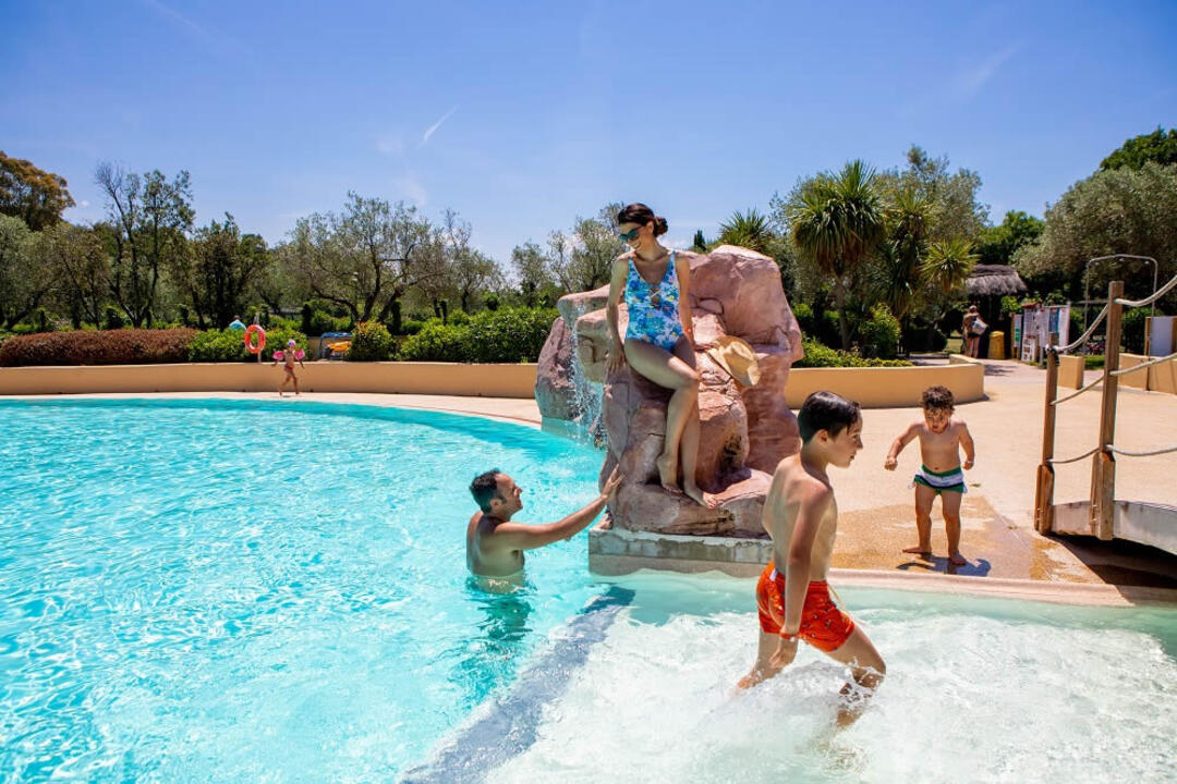 campinglecapanne fr piscine 026