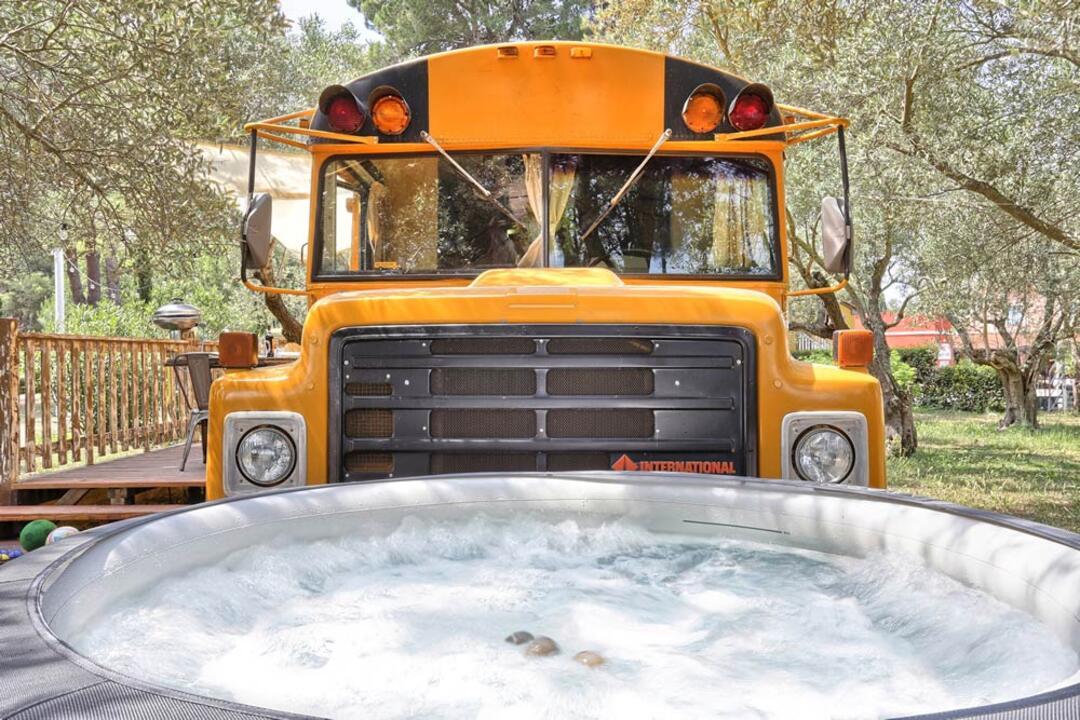 campinglecapanne pl school-bus 023
