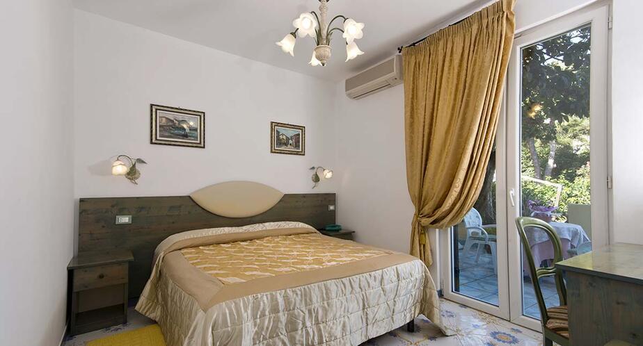 giardinodelleninfe en rooms-hotel-ischia 014