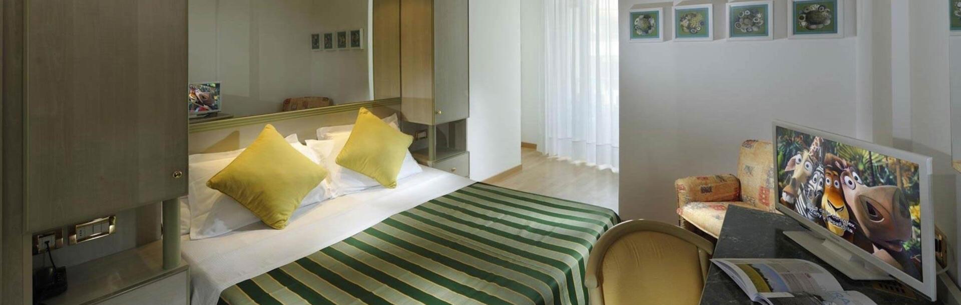 hotel-montecarlo it family-room-bibione 013