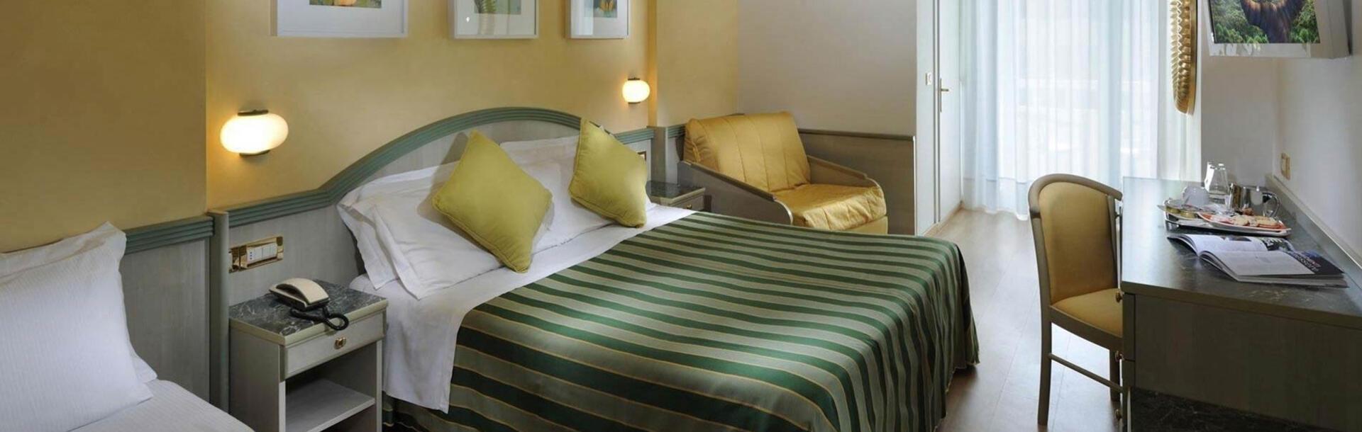 hotel-montecarlo en ruby-room 013