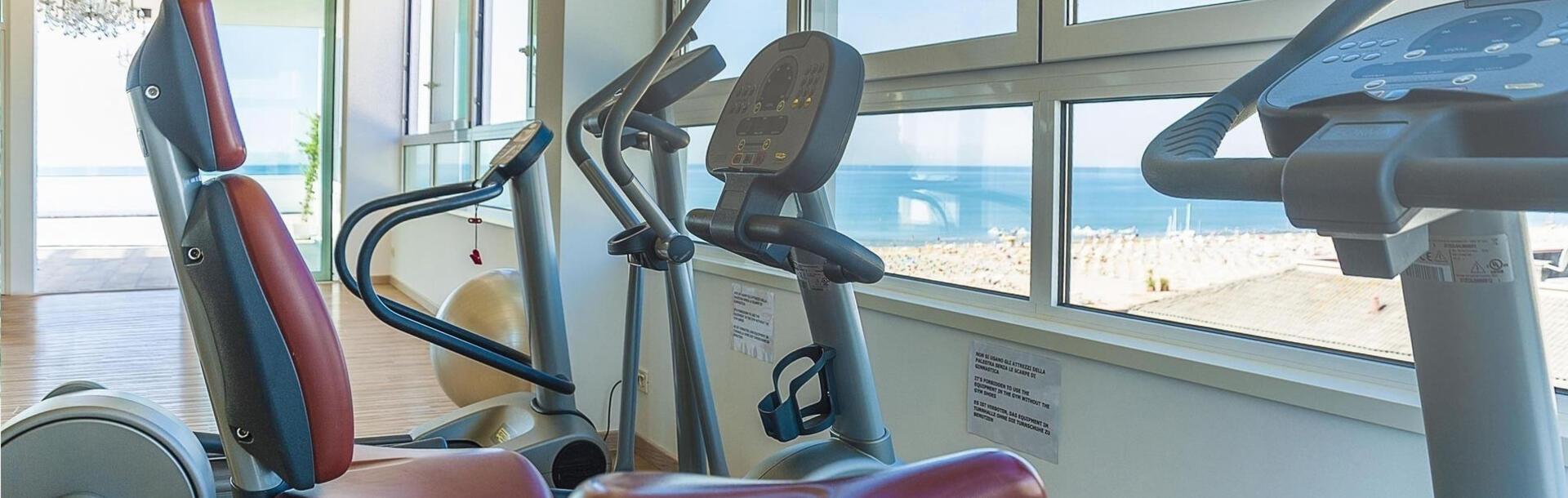 hotel-montecarlo pl silownia-sportowe-wakacje 013