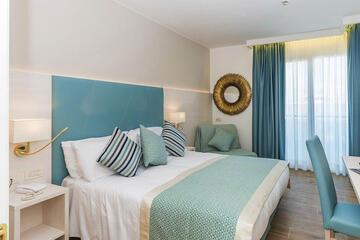 hotel-montecarlo ru family-living-suite 022