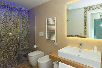 hotel-montecarlo ru family-living-suite 025