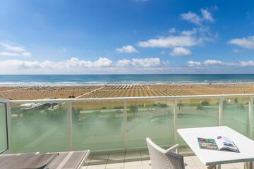 hotel-montecarlo ru family-living-suite 019