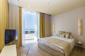 hotel-montecarlo ru family-living-suite 024
