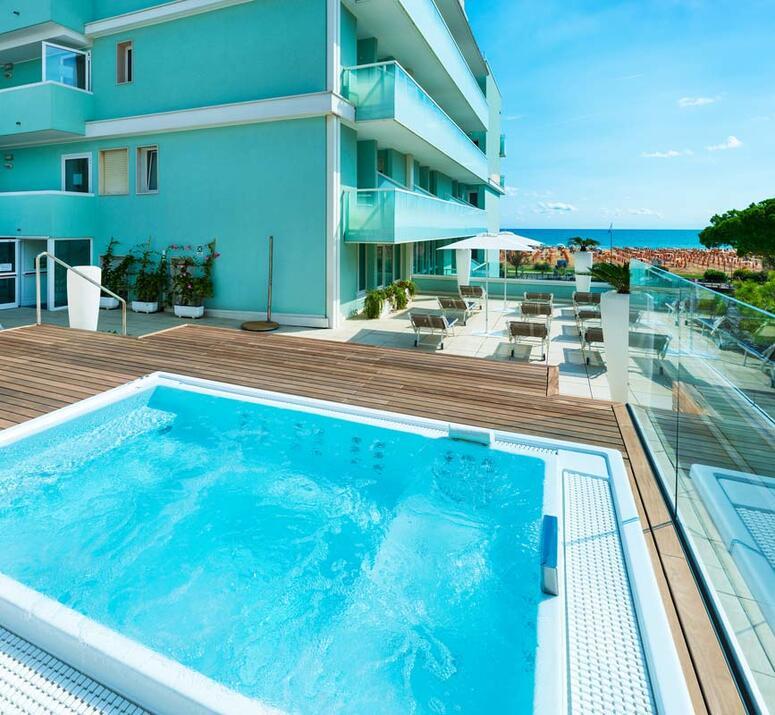 hotel-montecarlo de hotel-bibione-mit-pool 018