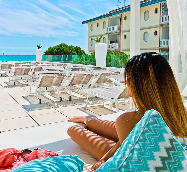 hotel-montecarlo de hotel-bibione-mit-pool 020