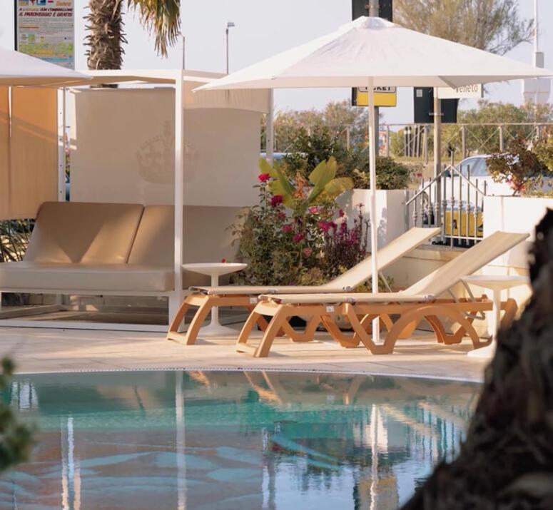 hotel-montecarlo de hotel-bibione-mit-pool 017