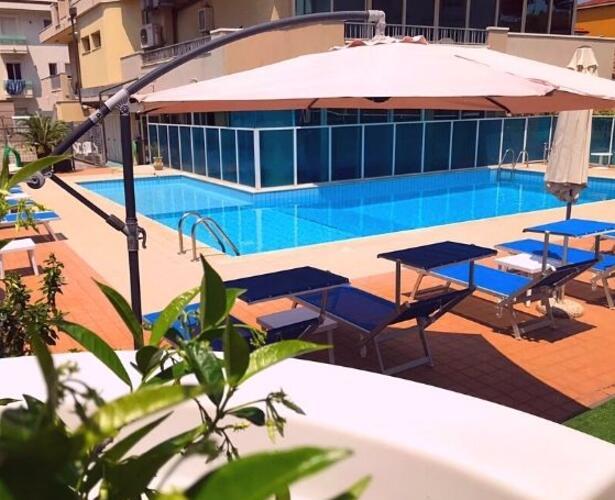hotelapogeo it piscina 012
