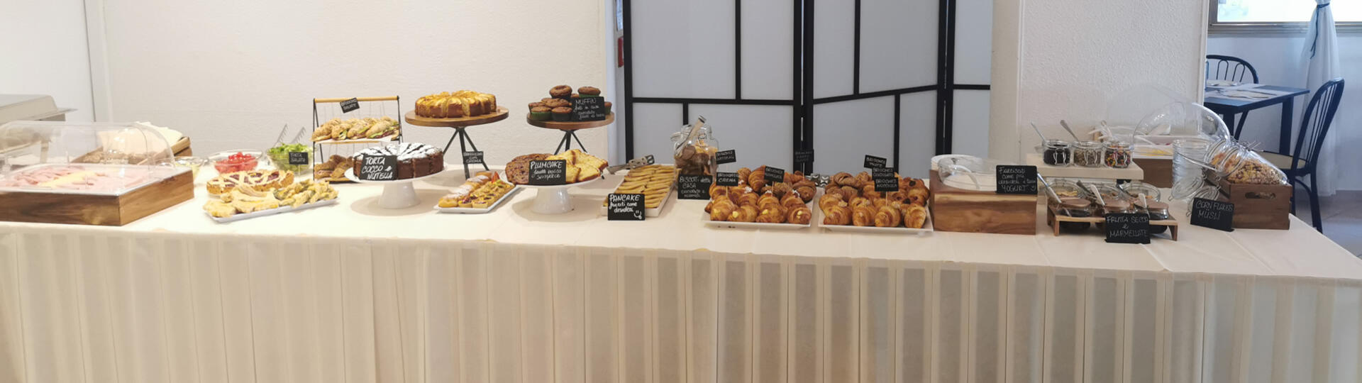 hotelbelliniriccione it breakfast 012