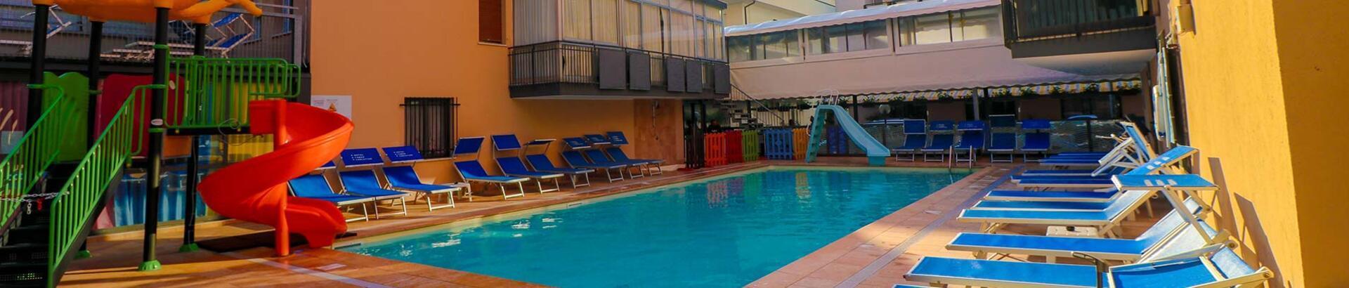 hotelchristianrimini it con-piscina 013