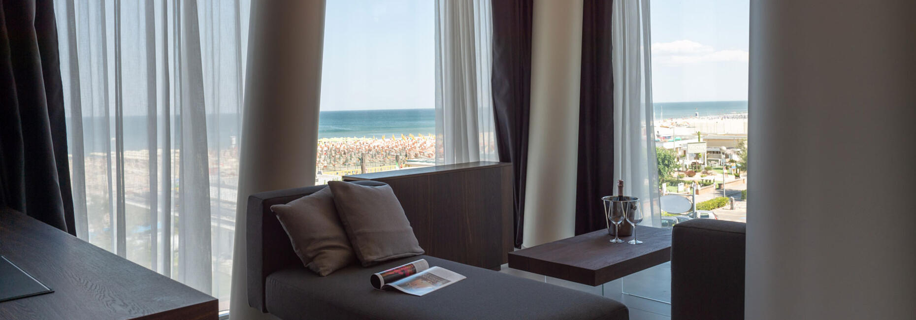 hotelcommodore it suite-vista-mare-cervia 011