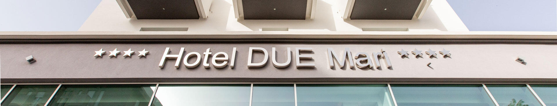 hotelduemari it offerta-prima-meta-di-luglio-in-hotel-4-stelle-a-rimini-camere-vista-mare-e-piscina 004
