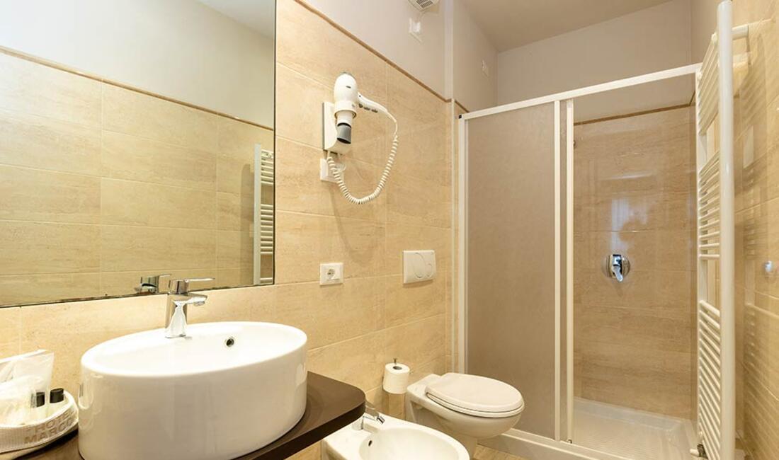 hotelmarconisirmione it camere 018