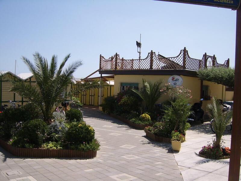 Hotel 3 stelle con spiaggia convenzionata riccione: tanti servizi in