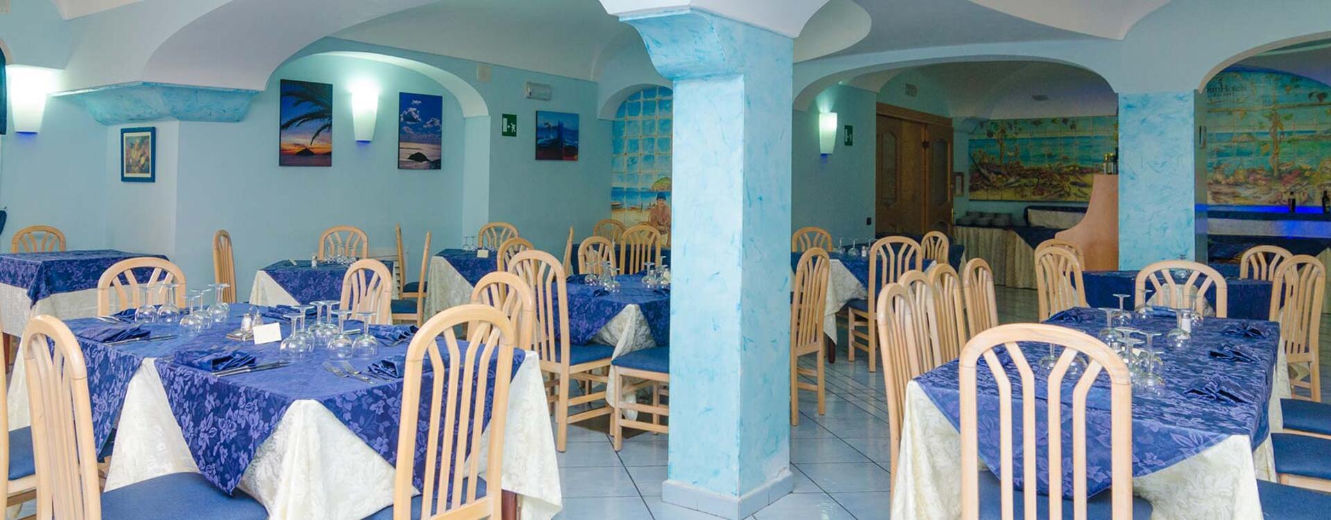 hotelsaintraphaelischia en hotel-with-restaurant-ischia 009