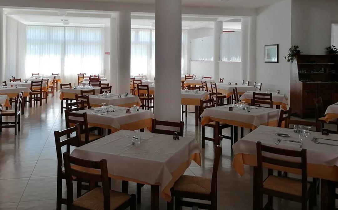 hotelsfinalicchio en hotel-with-restaurant-vieste 004