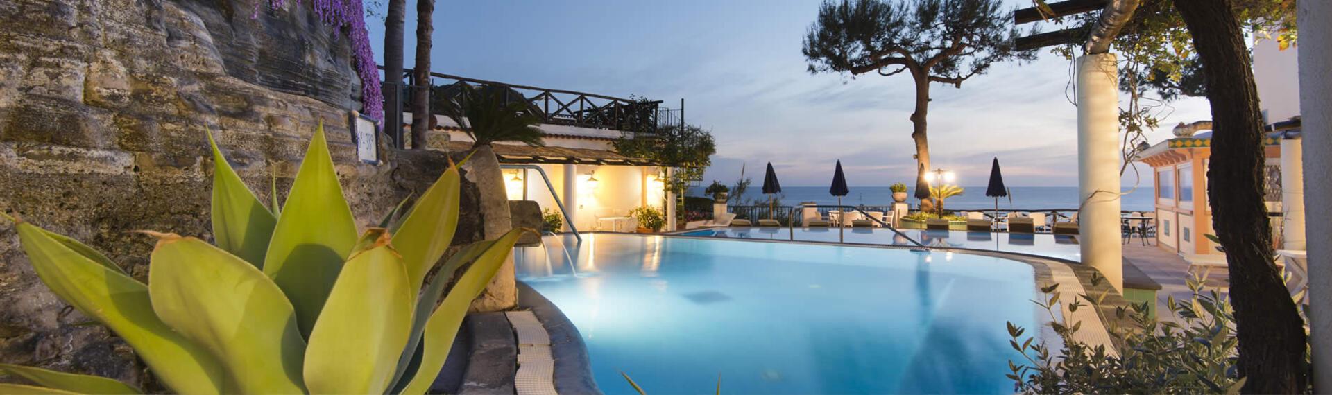 hotelvillabianca de herbstangebot-in-forio-d-ischia 009