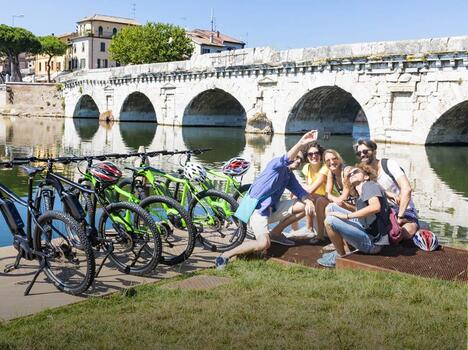e-BIKE TOUR in the old town (morning or evening)