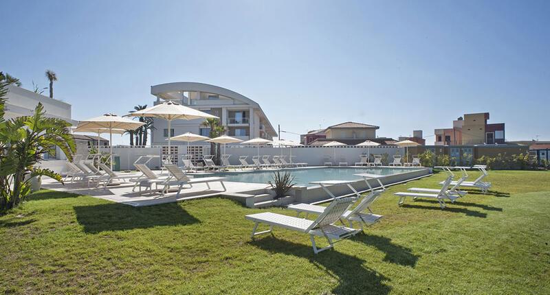 Resort Sicilia con piscina sul mare   Modica Beach Resort