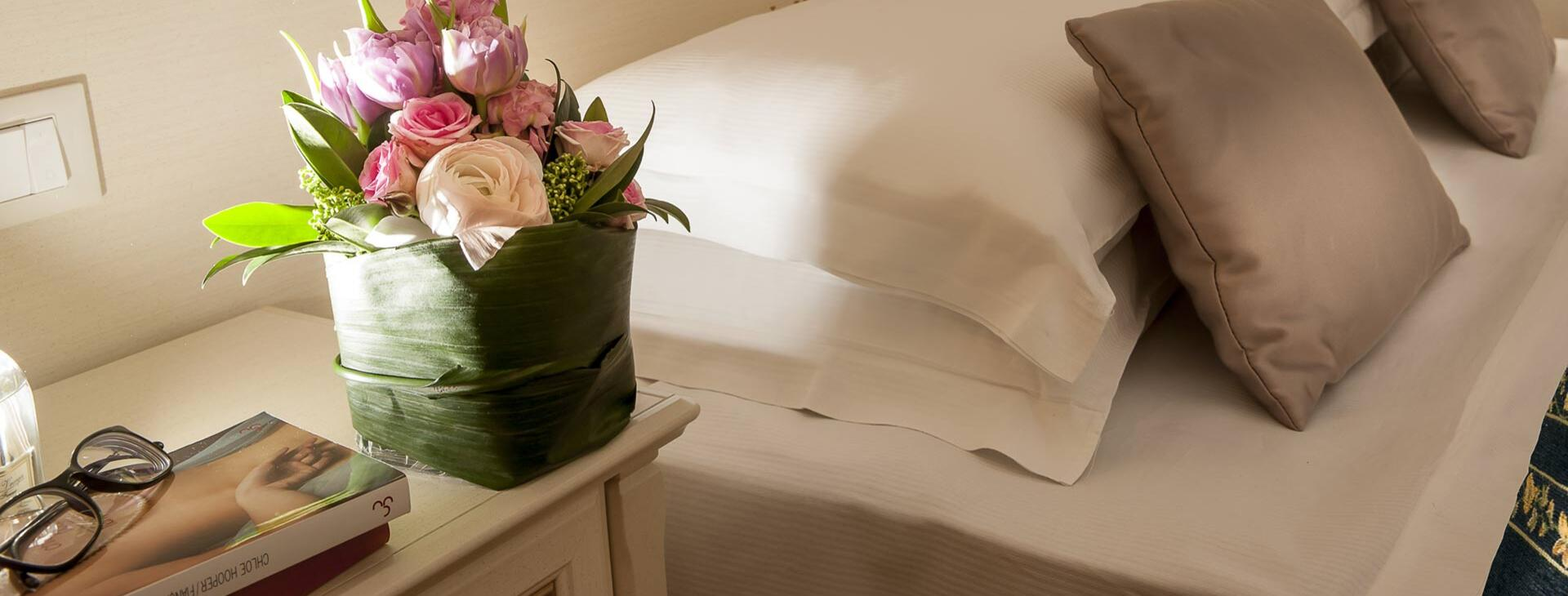pantheondimoradeglidei en luxury-rooms-pantheon-rome-contacts 001