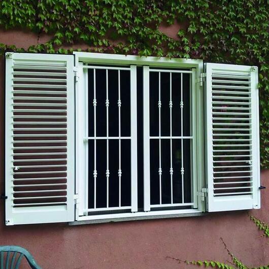 Grata blindata con persiana o scuro in alluminio per - Catalogo inferriate per finestre ...